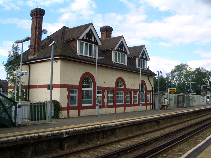 Chipstead railway station, 2007